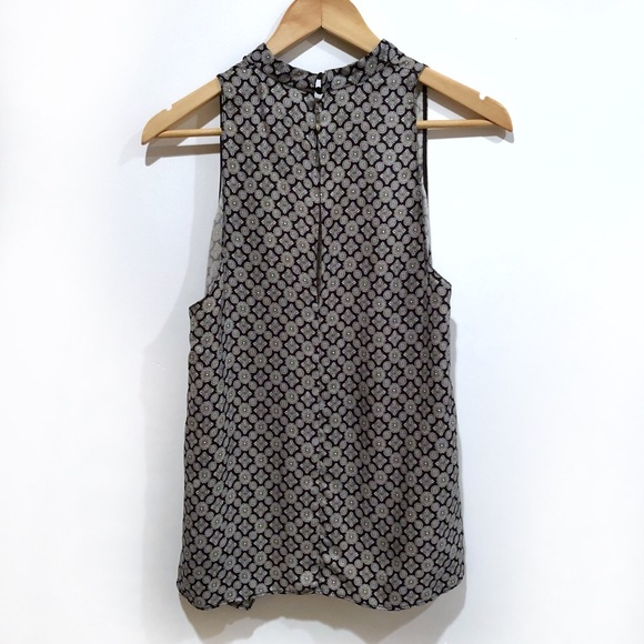 Zara Tops - NWT Zara printed navy white sleeveless halter top